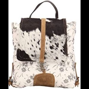 NWT Myra Bloom Beach Backpack Bag!